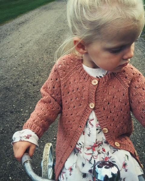 PetiteKnit - Annas Sommercardigan
